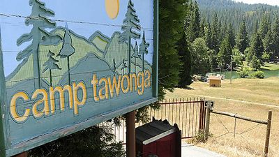 camp tawonga sign